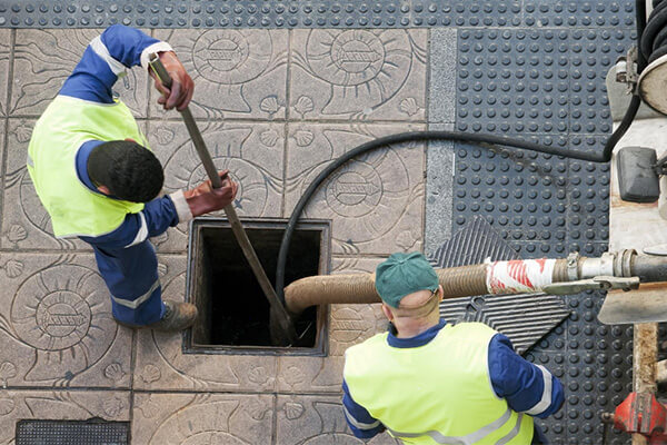 Sewer cleaning safety measures ignored